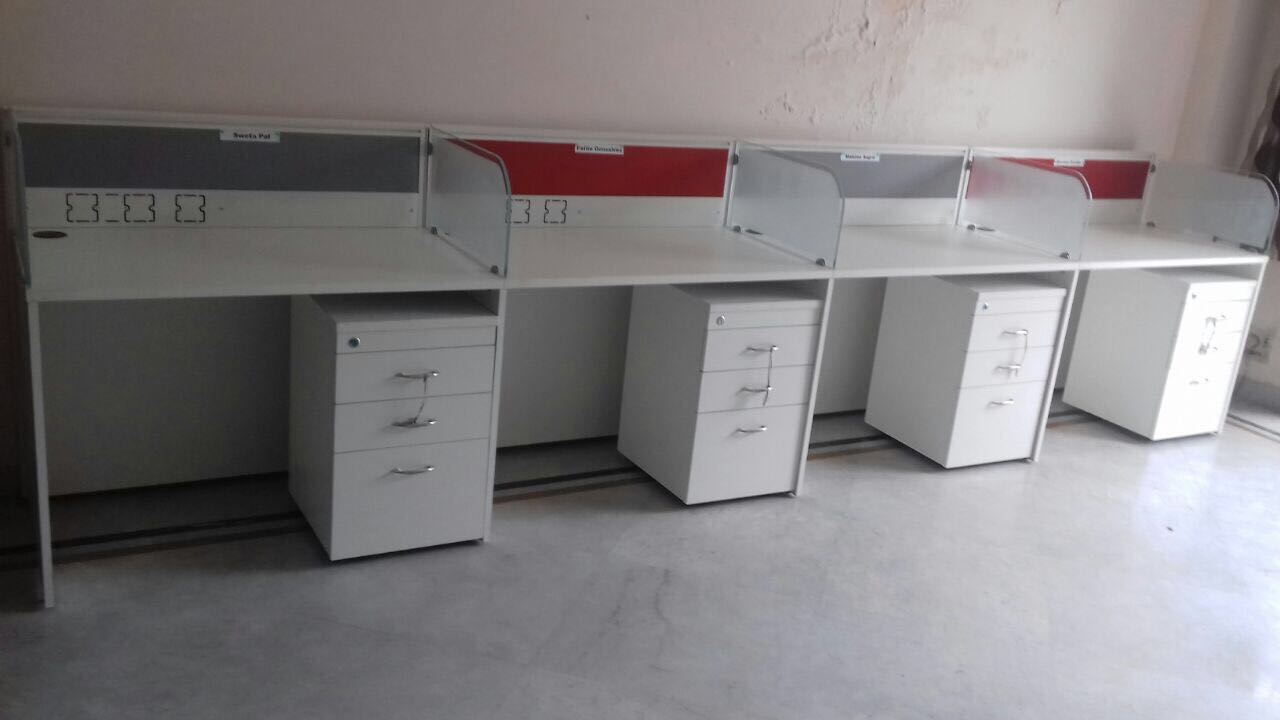 modular-office-Furniture-Delhi